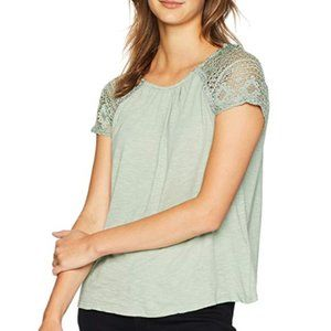 Lucky Brand Lace Sleeve Top. Size: S
